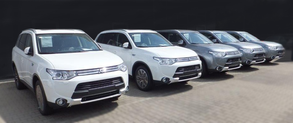 Mitsubishi Outlander Plug-in Hybrid TOP Model 2015